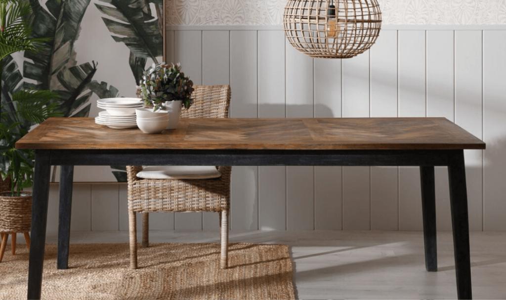 mesa-casa-rural-madera-hierro